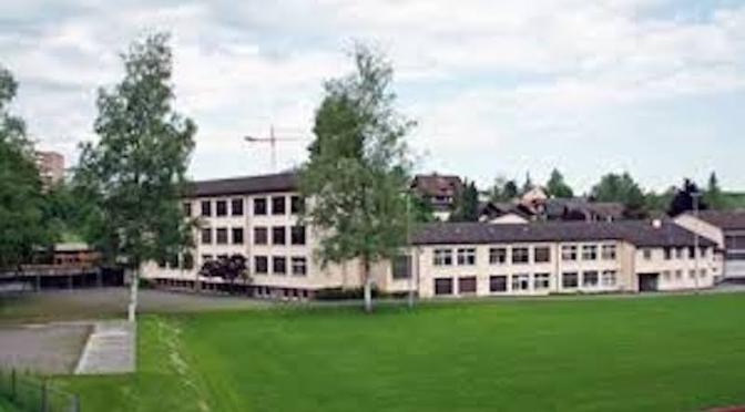 Präsentation Wettbewerb Schulhaus Staffeln
